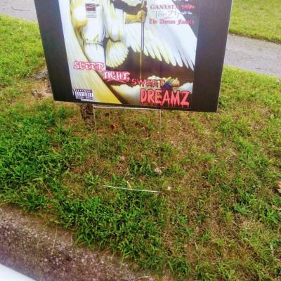 Mastamind Grass Sign